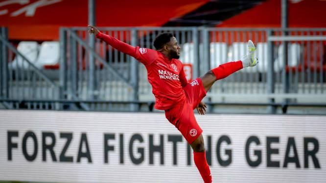Almere City trad tegen Jong Ajax aan met Instagram-namen op shirt