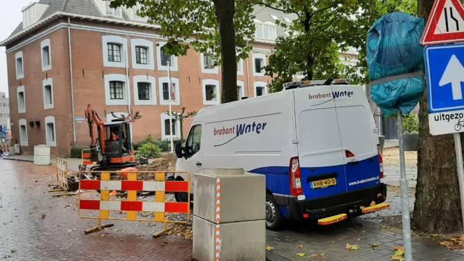 Deel Bossche binnenstad zat uren zonder water; nieuwe leiding om drie uur klaar