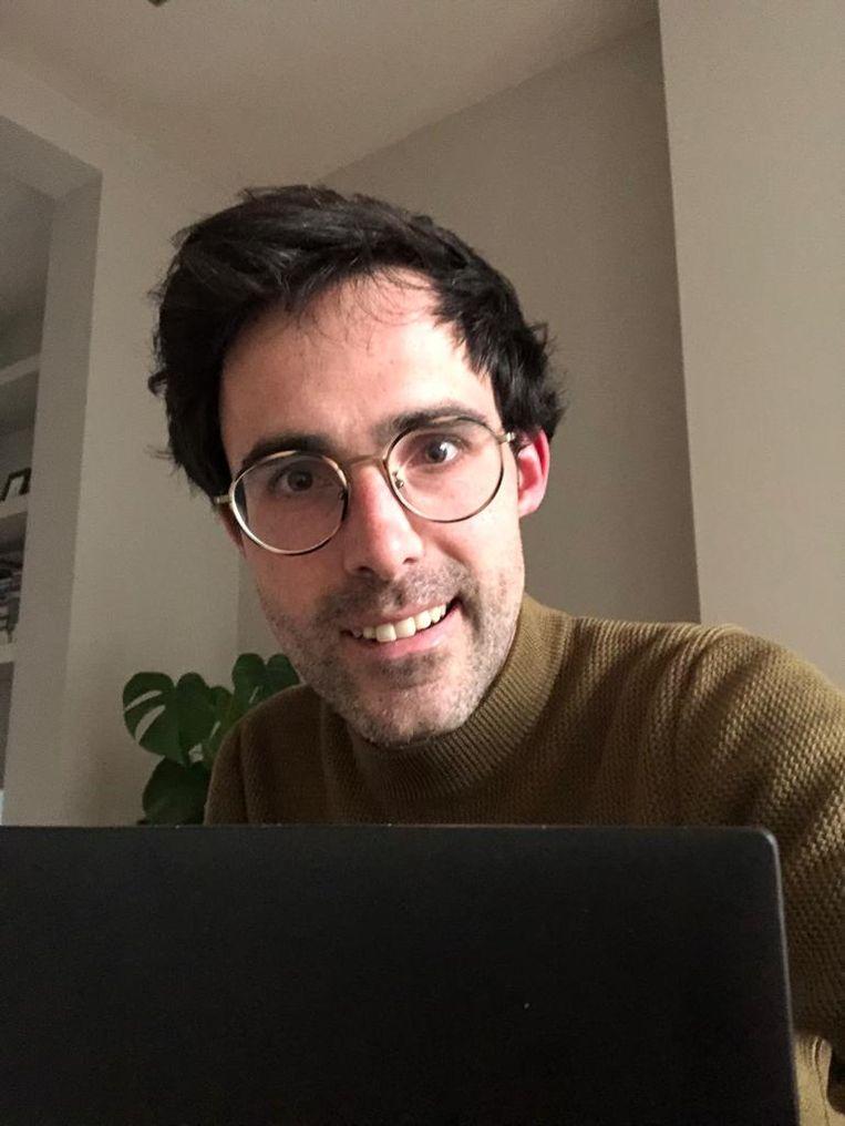 Selfie van Kristof Calvo 'in zijn kot'.