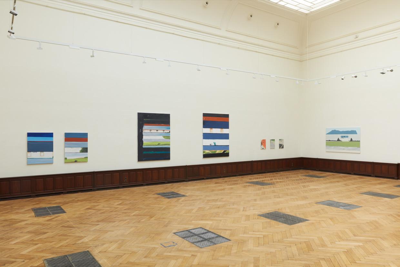 De expo van Koen Van den Broek in het veilinghuis Lempertz. Beeld RV