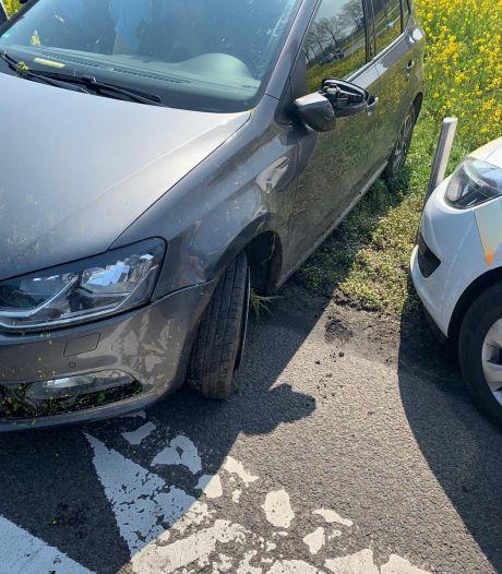 Duitse auto belandt in greppel bij Duiven na achtervolging door de Marechaussee