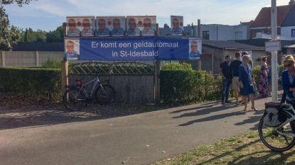 Nu er geen bankautomaat meer is in Sint-Idesbald. Koksijde Vooruit organiseert workshop digitaal betalen