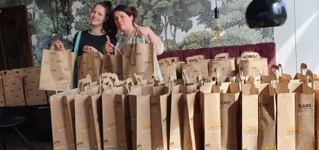 Bellevue-ondernemers verwennen eerste 150 terrasbezoekers met goodiebag: 'Eindelijk weer leven in het winkelcentrum'