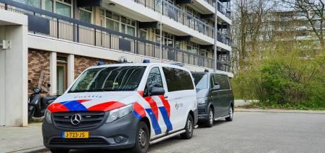 Man raakt lichtgewond bij woningoverval in Rotterdam
