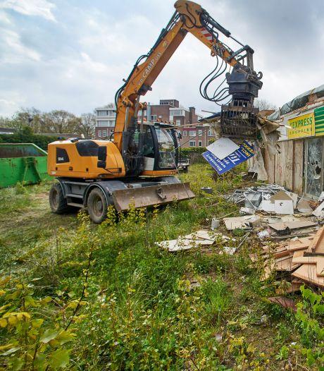 Verloederd tankstation aan Kruisstraat Oss gaat eindelijk tegen de vlakte
