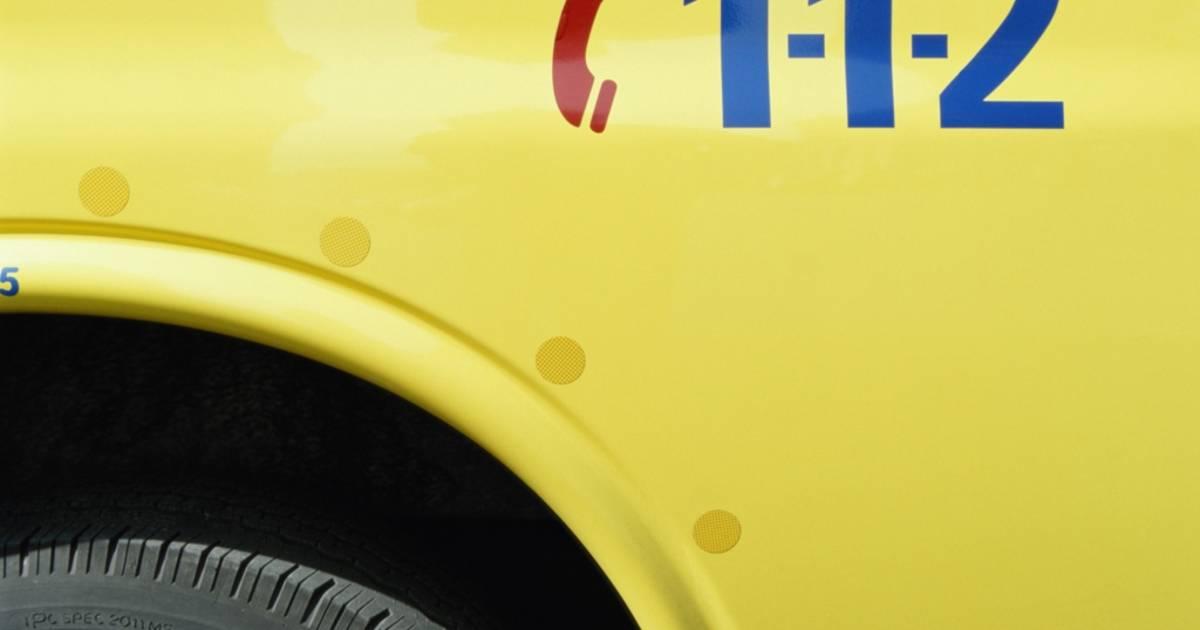 Man vlucht uit ambulance na frontale botsing in Rijen.