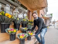 Ondernemers Dorpsstraat zijn aan het duimendraaien: Bijna geen klanten meer over