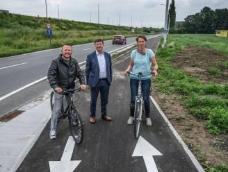 Nieuw afgescheiden fietspad langs R8 verbindt Warandepad met fietstunnel Izegemsestraat