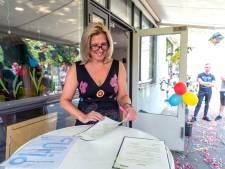 Van het tankstation, naar een baan in de zorg: volgens Saskia (50) is het nooit te laat voor een carrièreswitch