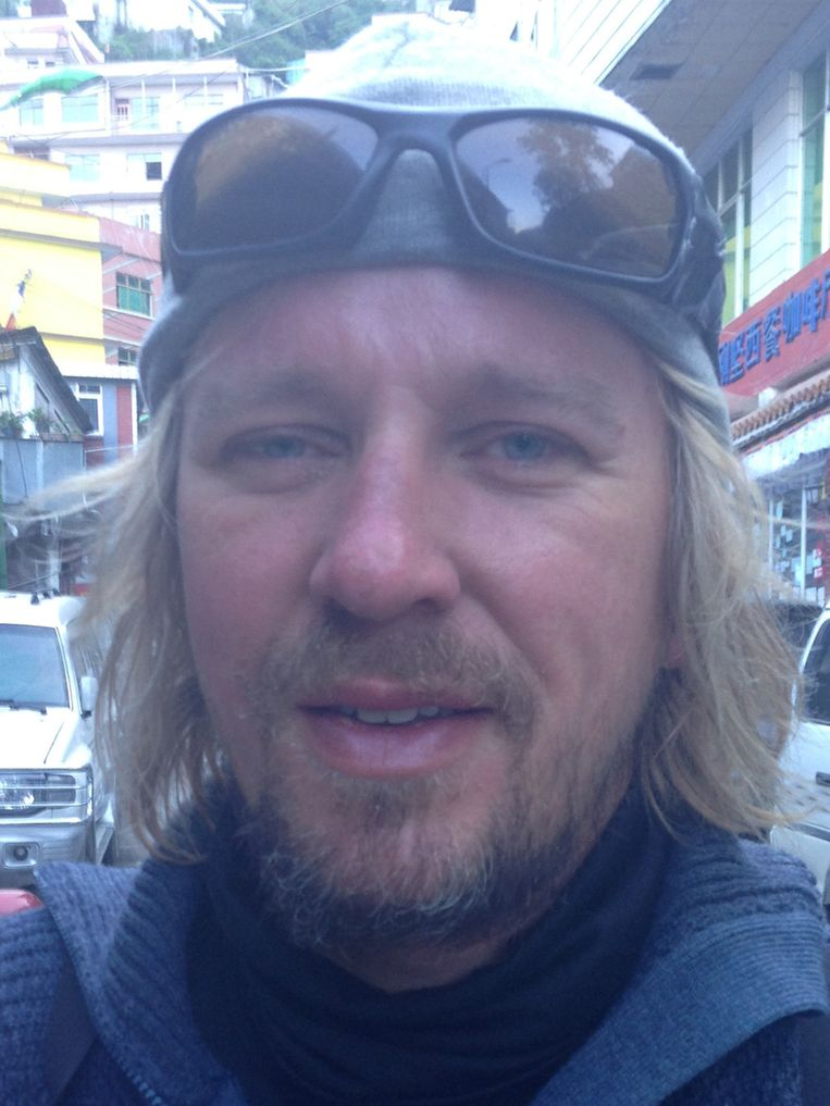 De volgende foto's tonen het effect van de klim op Lassche. Hij maakte gedurende het proces negen foto's van zichzelf. 8/9 Beeld Geert Jan Lassche