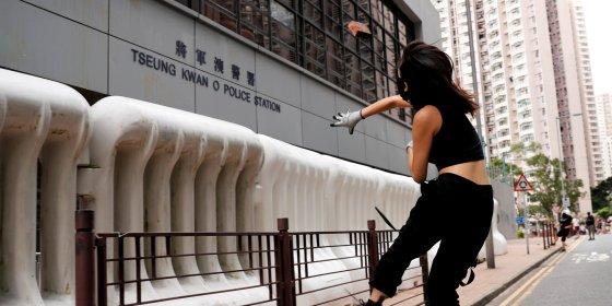 Twitter en Facebook verwijderen honderden door China gesteunde accounts in Hongkong