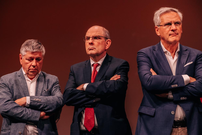 CD&V-kopstukken Jo Vandeurzen, Koen Geens en Kris Peeters op de verkiezingsavond. Hun partij kreeg net als de rest van het 'midden' een ferme opdoffer te verwerken. Beeld Wouter Van Vooren