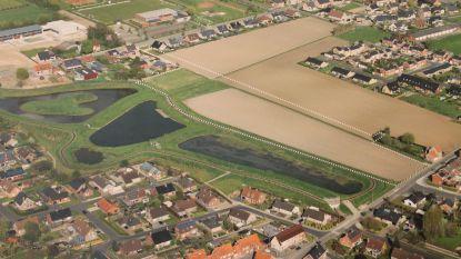 Extra groot bufferbekken aan nieuwe verkaveling moet vrees voor wateroverlast weghalen