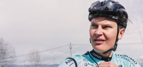 Mobach moet twee plekken inleveren en eindigt in Tour de la Mirabelle als 24ste
