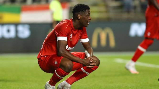 Football Talk. Antwerp beloont spits Nsimba met contract voor drie seizoenen - Schalke 04 start onderzoek na racisme jegens Dortmund-fenomeen Moukoko
