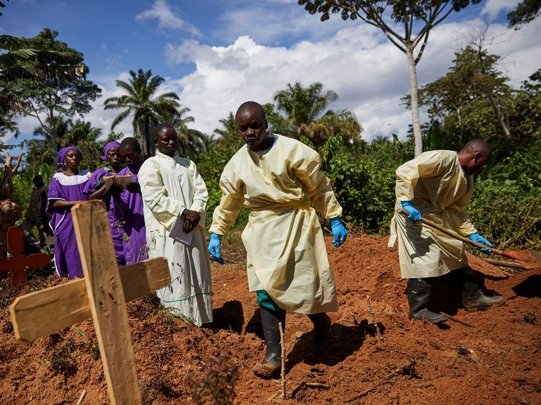 Er vielen tijdens deze epidemie al bijna 1.150 doden. De zwaarste uitbraak was die in West-Afrika, van 2014 tot 2016. Toen kwamen meer dan 11.000 mensen om.