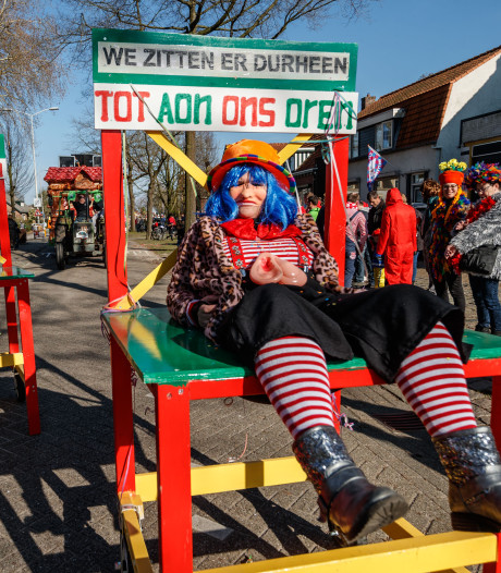 De carnavalsoptocht van Mastepinnelaand krijgt er een publieksprijs bij