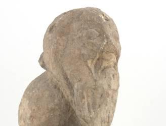 """Te koop: naakte 'tuinkabouter' van duizend jaar geleden: """"Hoort in een Mechels museum"""""""