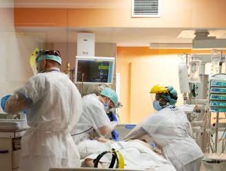 OVERZICHT. Een vijfde meer ziekenhuisopnames, aantal besmettingen stabiliseert opnieuw