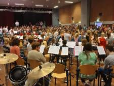 MuziekExpress sluit derde seizoen muzikaal af met Koning Sallassi