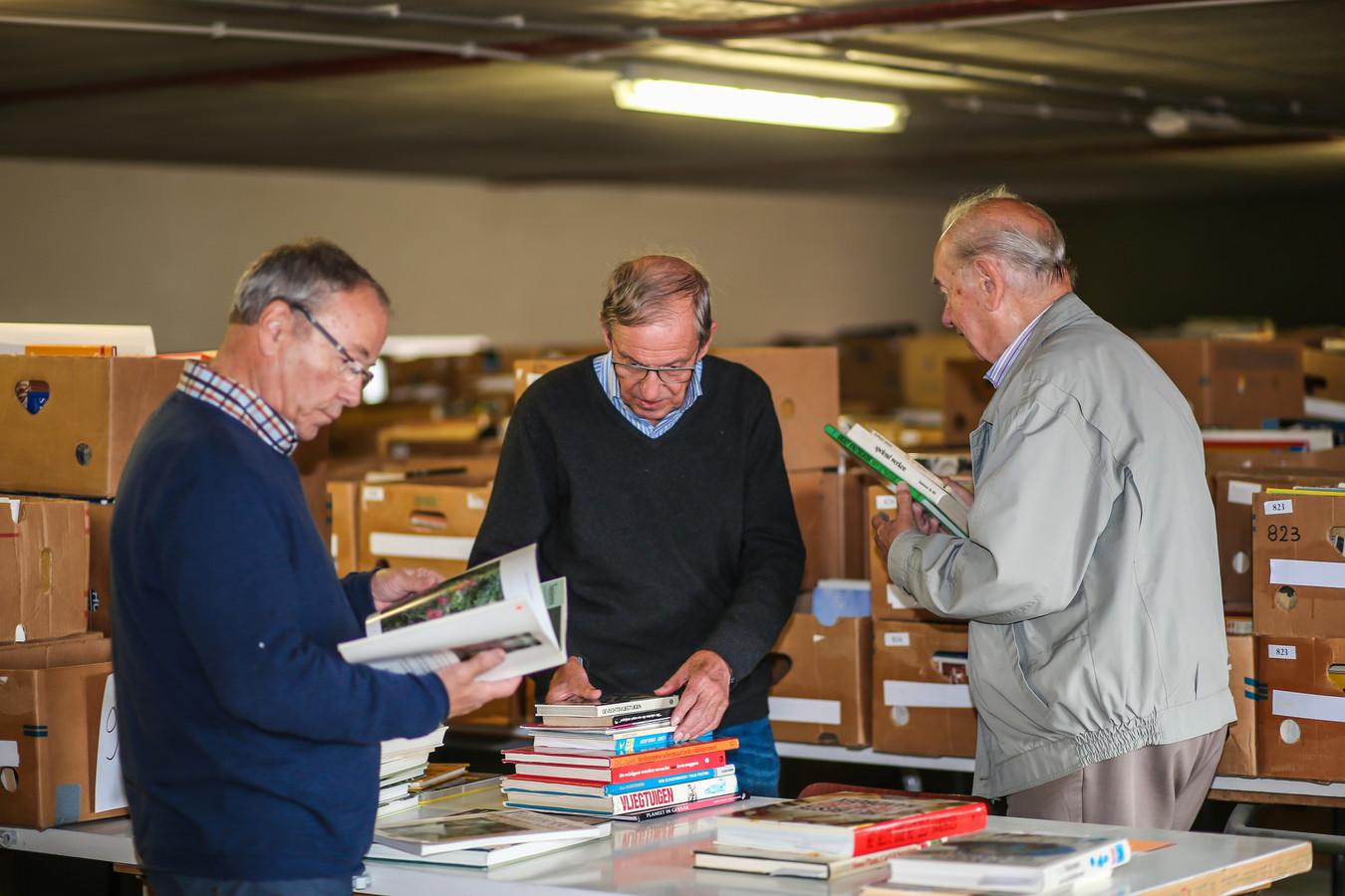 De beurs biedt dit jaar maar liefst 50.000 boeken aan en bevat enkele zeldzame pareltjes, die in geen enkele collectie mogen ontbreken.