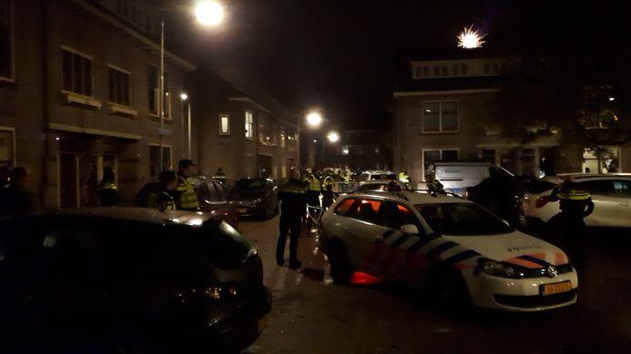 """Burgemeester Marcouch zegt dat de politie-inzet tegen vuurwerkoverlast onverminderd doorgaat. ,,Dit is meer dan baldadigheid."""""""