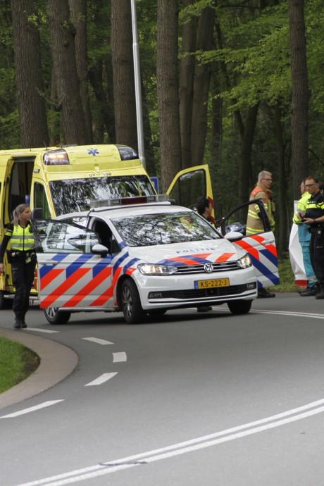 Vrouw (31) uit Meteren omgekomen bij eenzijdig ongeval met lesmotor in Barneveld