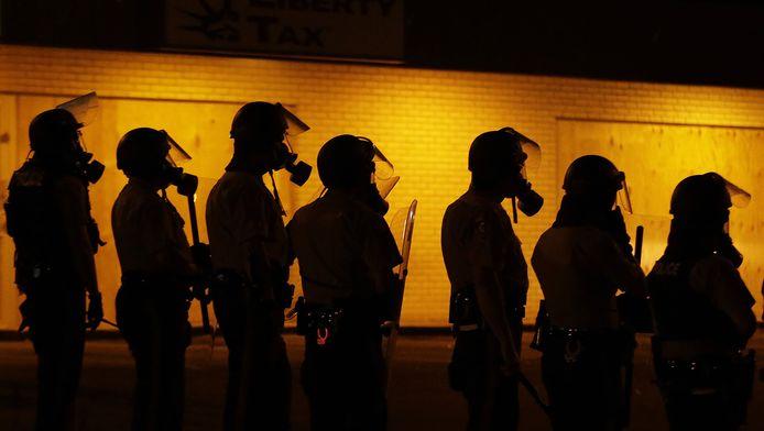 Oproerpolitie tijdens de rellen na de dood van Michael Brown, een zwarte jongen die door politiekogels stierf.