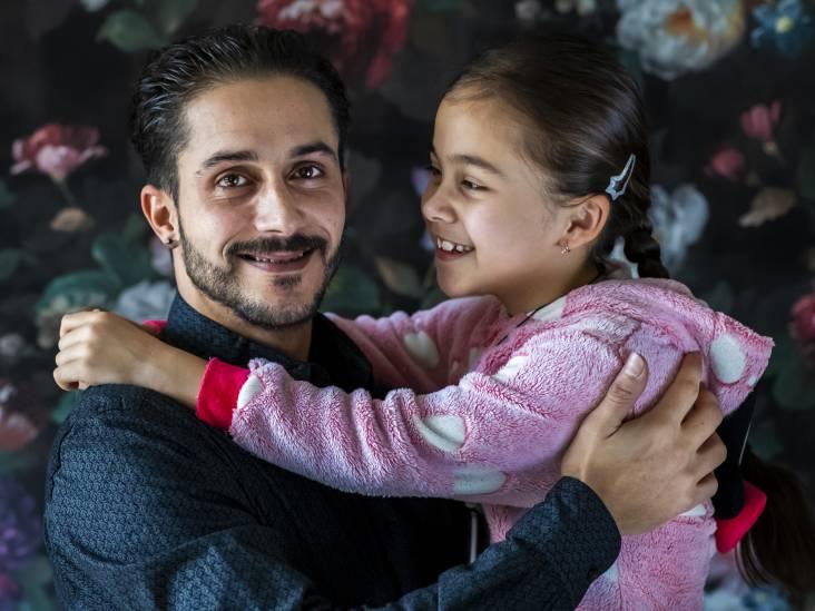 Held Achraf (29) redde een vrouw uit het water: 'Toen ik zag dat ze gezond was, voelde dat heel goed'