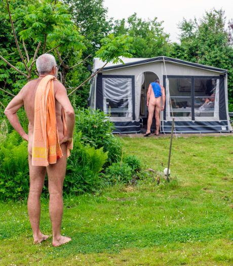 'Nakation' is de nieuwe vakantietrend: 'Arm of rijk, dik of dun, hier maakt het niets uit'