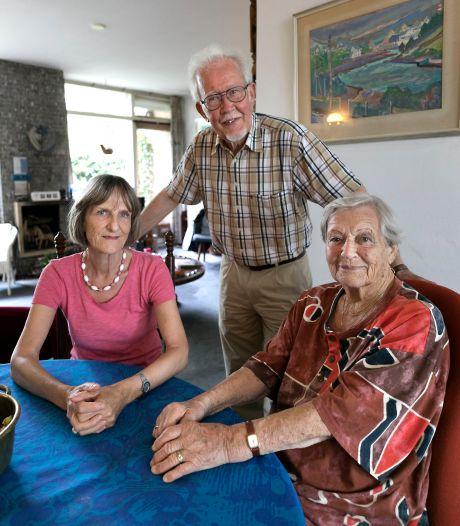 Ook bejaarde en zieke met oude badkamer heeft recht op inloopdouche; Eindhoven en Helmond moeten beleid aanpassen