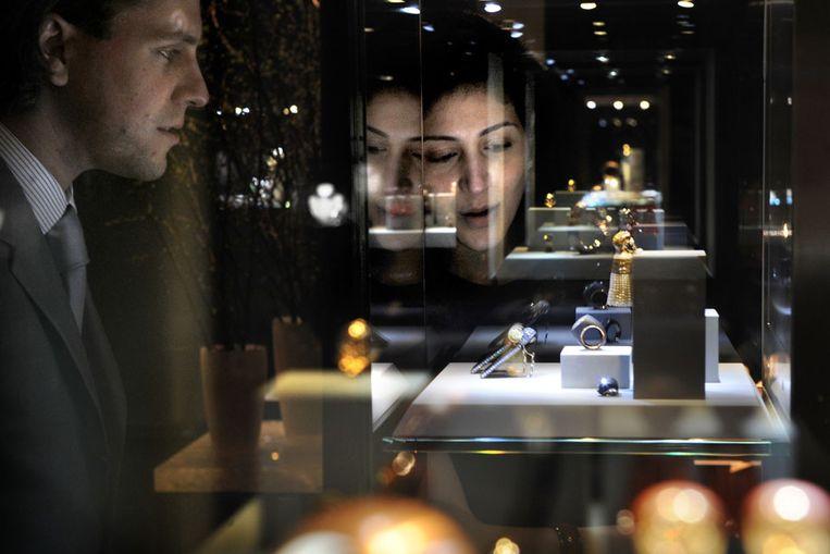 Sieraden op de Tefaf, kunstbeurs in Maastricht (Marcel van den Bergh / de Volkskrant) Beeld
