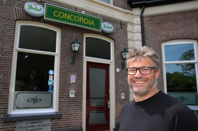 Gerben Wechgelaer staat te popelen om, samen met Theo van Enckevort, Jan Dragt en Johan de Hoop, Concordia nieuw leven in te blazen. Maar pandeigenaar Grolsch beneemt hen vooralsnog de adem.