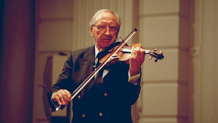 In 1940, op zijn zeventiende werd hij concertmeester van de Arnhemsche Orkestvereeniging. Beeld anp