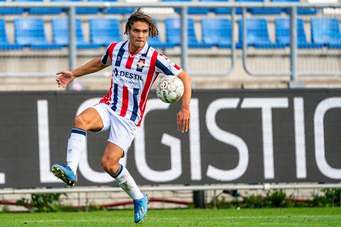 Victor van den Bogert namens Willem II in actie tijdens de thuiswedstrijd tegen Feyenoord in oktober 2020.