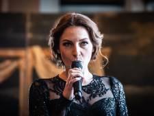 Nederlandse Willemijn Verkaik zingt als Elsa bij Oscar-uitreiking