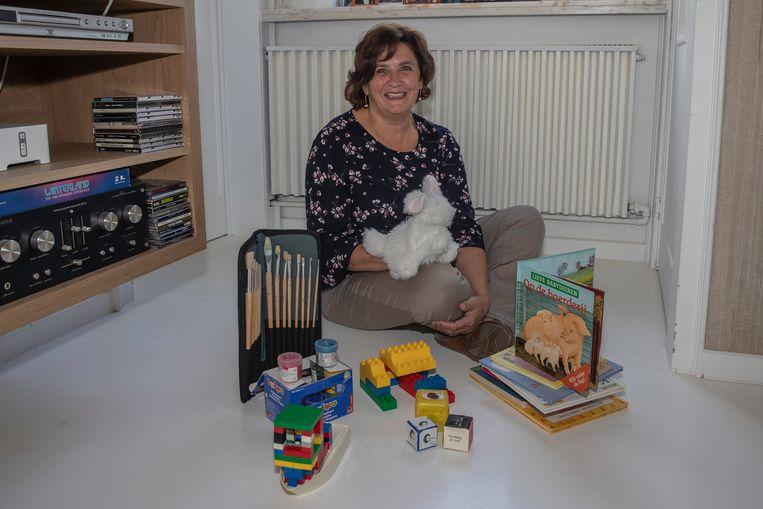 Juf Magda Claerbout komt elke week een uurtje langs bij een vierjarig jongetje met leukemie.