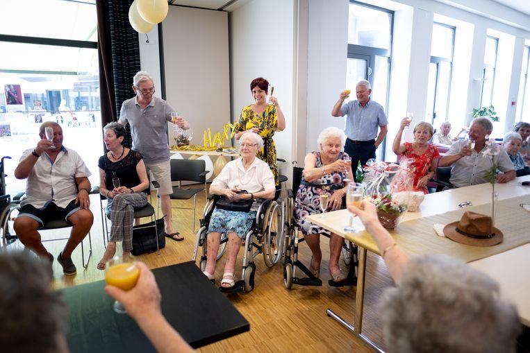 WILLEBROEK Mit De Visser en Joanne Van Houdt vieren hun honderdste verjaardag in Plazarama