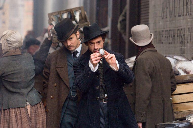 Jude Law en Robert Downey Jr. in Sherlock Holmes van Guy Ritchie. Beeld