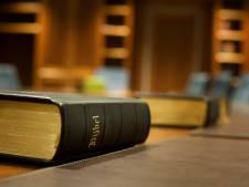 Ophef of niet, kerken in de Biblebelt zijn gewoon open met Pasen: 'In de Albert Heijn loop je meer risico'