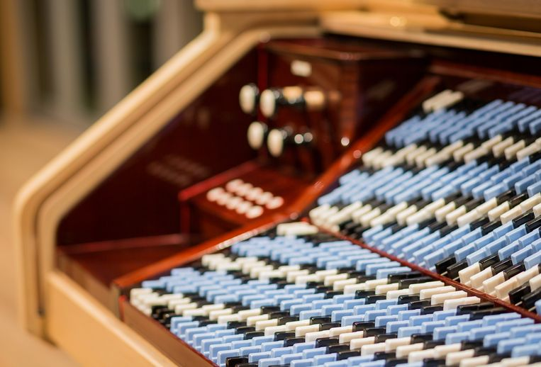 Christiaan Huygens bedacht de 31-toonsstemming. In 1942  ontwierp natuurkundige Adriaan Fokker een orgel dat gebruik maakt van deze bijzondere stemming. Dat werkt nog steeds en staat in het Muziekgebouw aan 't IJ. Beeld huy