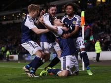 VIDEO: Late treffer Martin houdt Schotland in de race voor WK-ticket