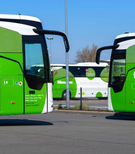 """Des bus reprennent des liaisons avec l'aéroport de Charleroi: """"L'envie de partir est visible"""""""