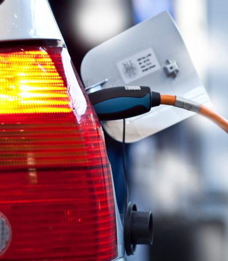 'Wagenpark van rijksoverheid bestaat nog vooral uit benzineslurpers'