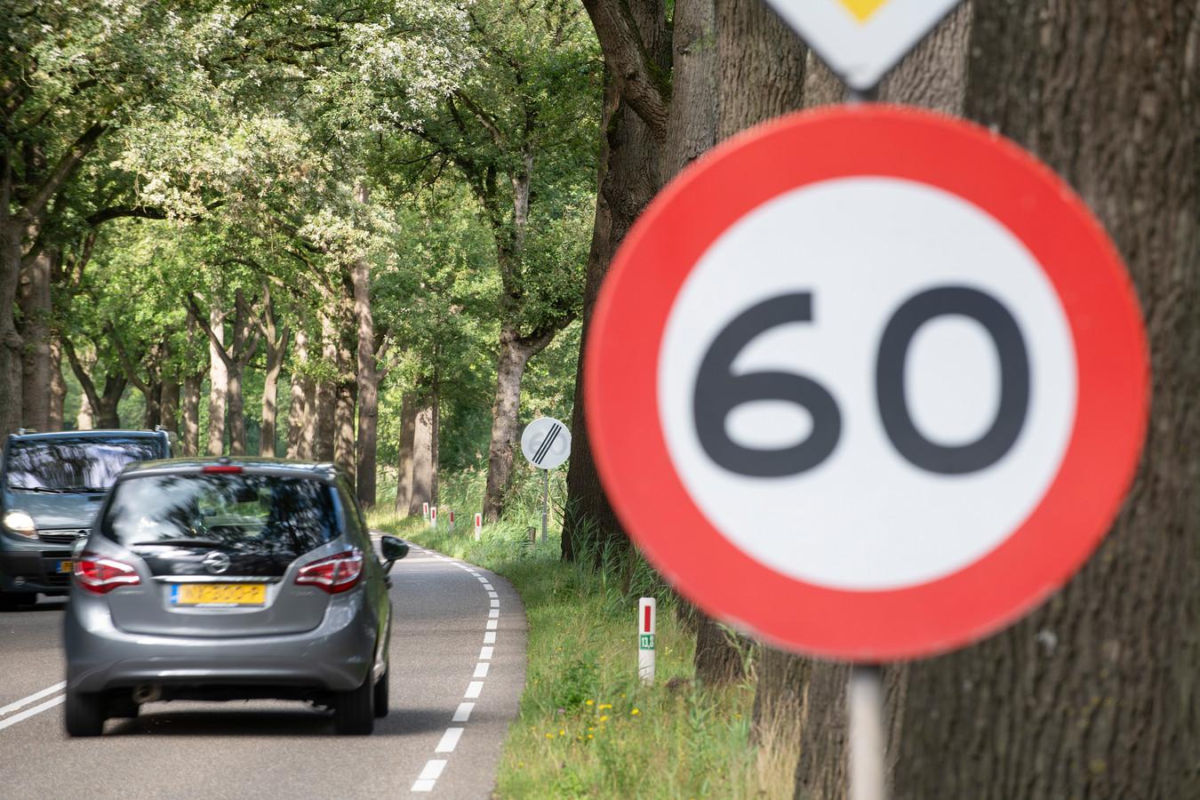 80 - 60 - 80 kilometer per uur op Kanaal Zuid: veel automobilisten geloven het wel. De gemeente Apeldoorn hoopt dat een 60-limiet rond de Alba-plas wel effect gaat hebben.