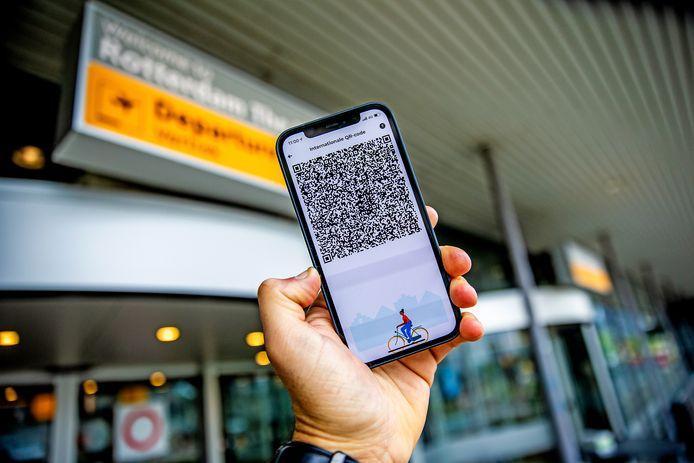 De QR-code in de CoronaCheck-app is momenteel alleen binnen de EU leesbaar met een DCC-scan applicatie.