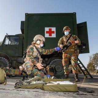 noodhospitaal-in-luik-extra-ambulances-en--defensie-gaat-ziekenhuizen-ontlasten
