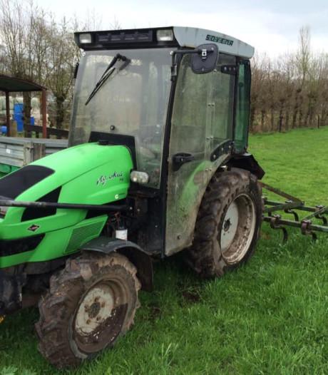 Tractor van zorgboerderij in Lettele gejat; 'wie helpt ons aan een nieuwe?'