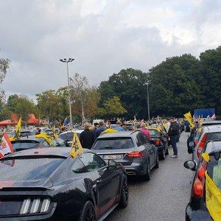 honderden-autos-onderweg-naar-brussel-voor-protestrit-vlaams-belang