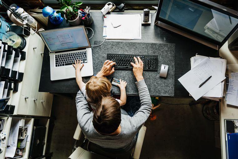 In vier weken heeft bijna iedereen in Nederland leren thuiswerken. Beeld Getty Images